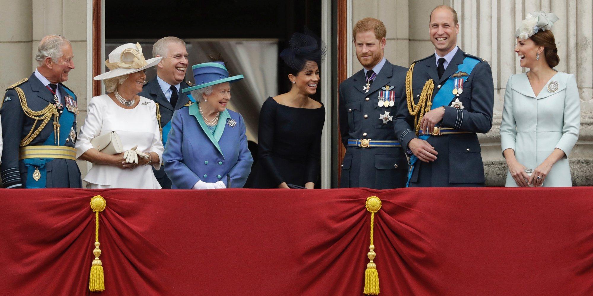 Las comedias de la Familia Real Británica: de las risas de los mayores a las travesuras de los Príncipes Jorge y Carlota