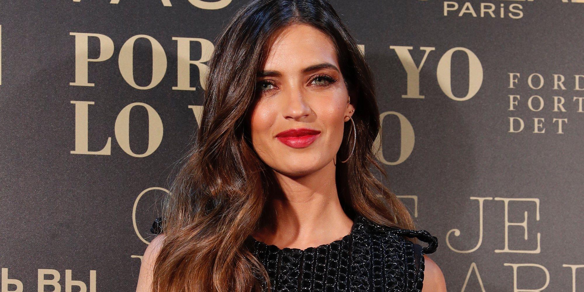 Sara Carbonero se viste de novia durante la Madrid Fashion Week y anuncia que irán pronto a por el tercer hijo