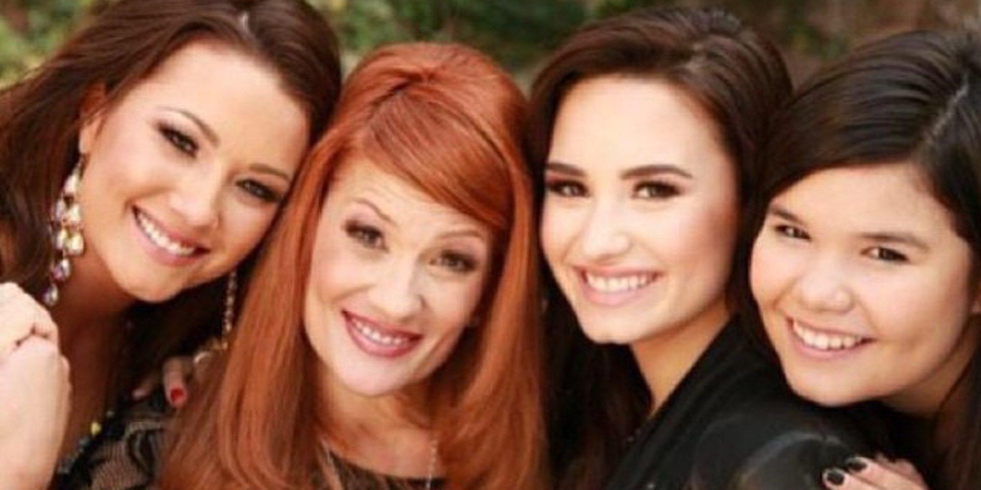 Resultado de imagen para Demi lovato y su mama