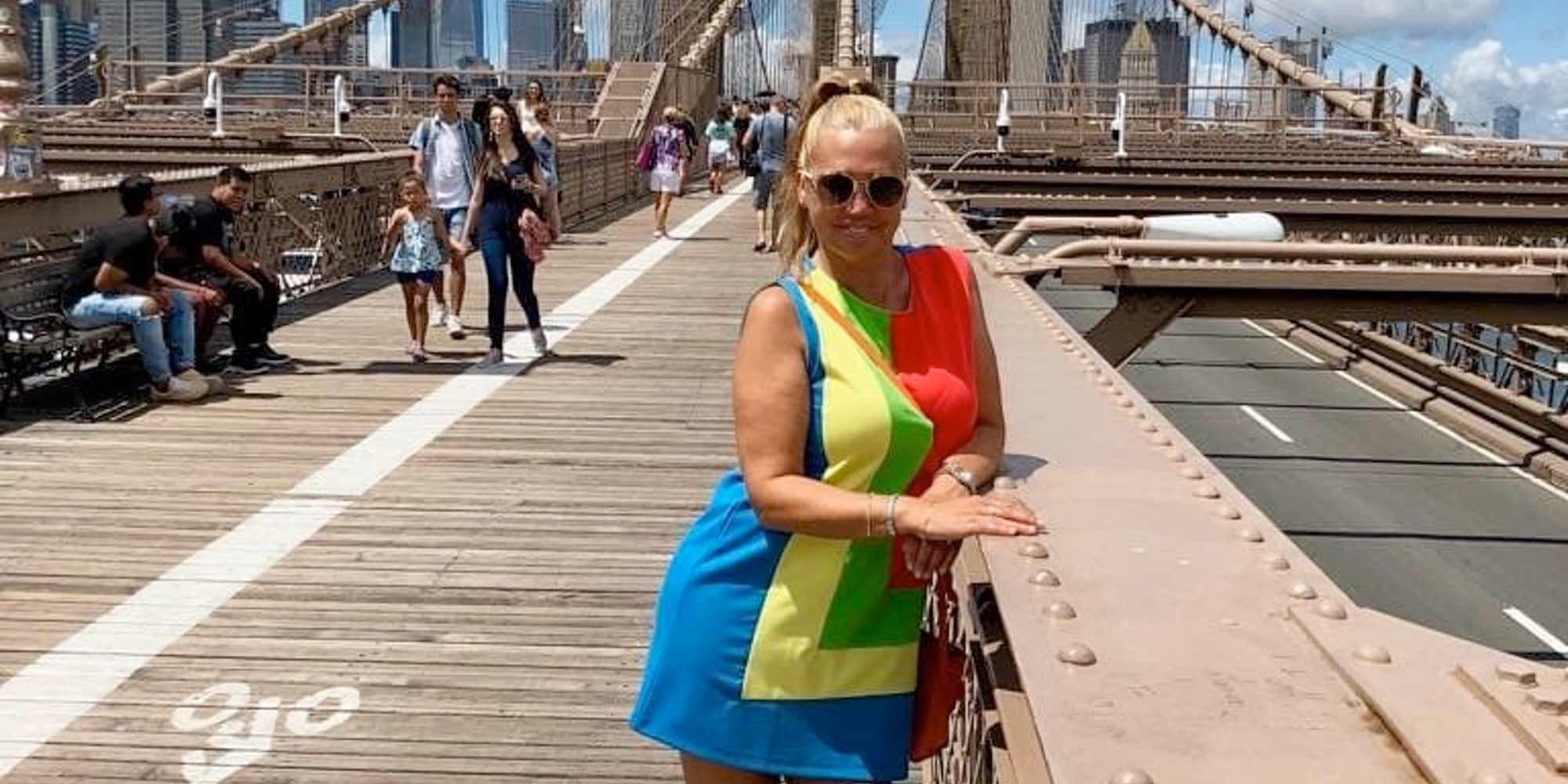 Belén Esteban, una Audrey Hepburn de Ágatha Ruiz de la Prada en Nueva York