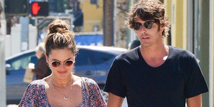 Alessandra Ambrosio encuentra de nuevo el amor junto a Nicolo Oddi