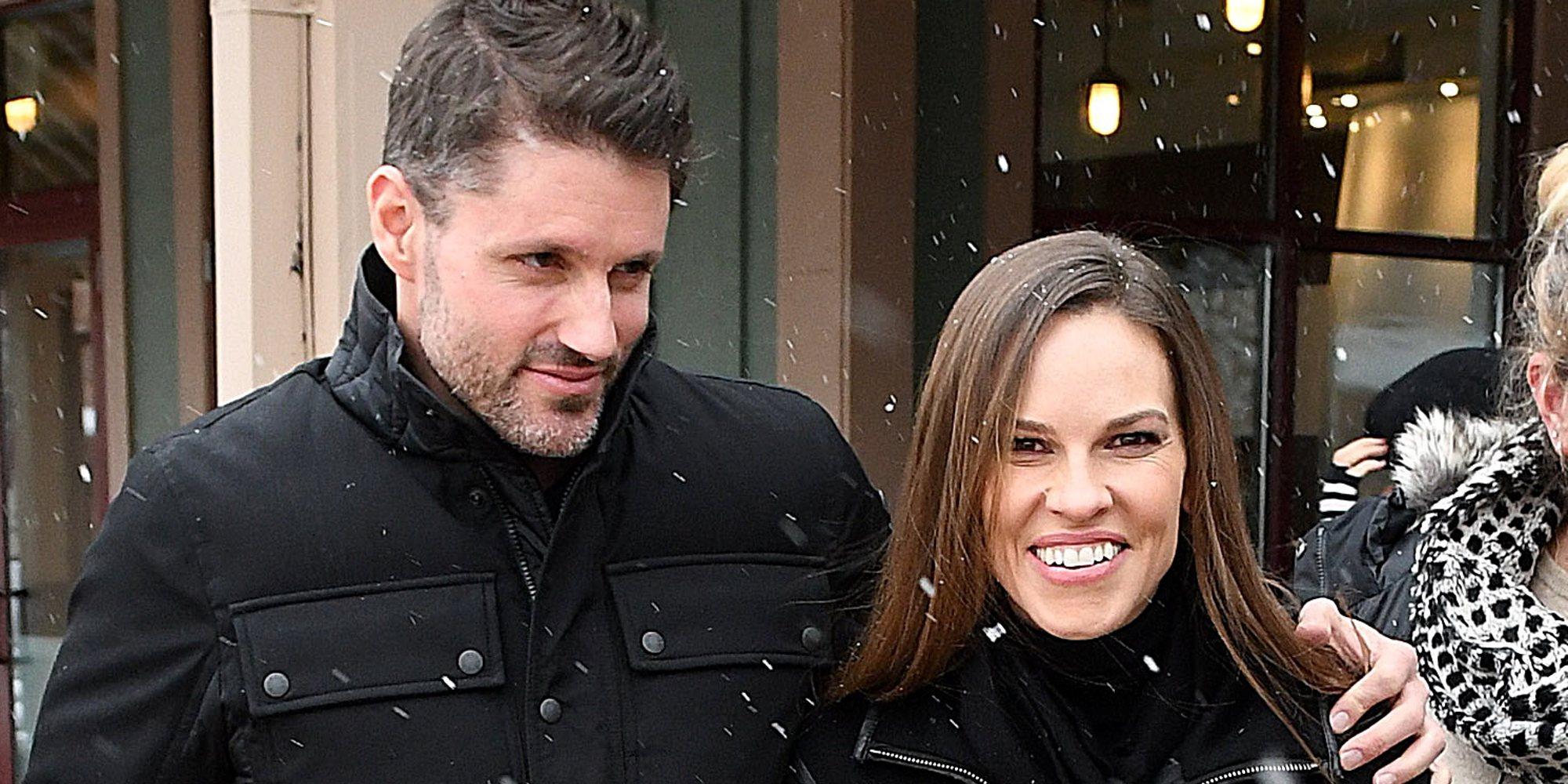 Hilary Swank se ha casado en secreto con Philip Schneider tras dos años de relación