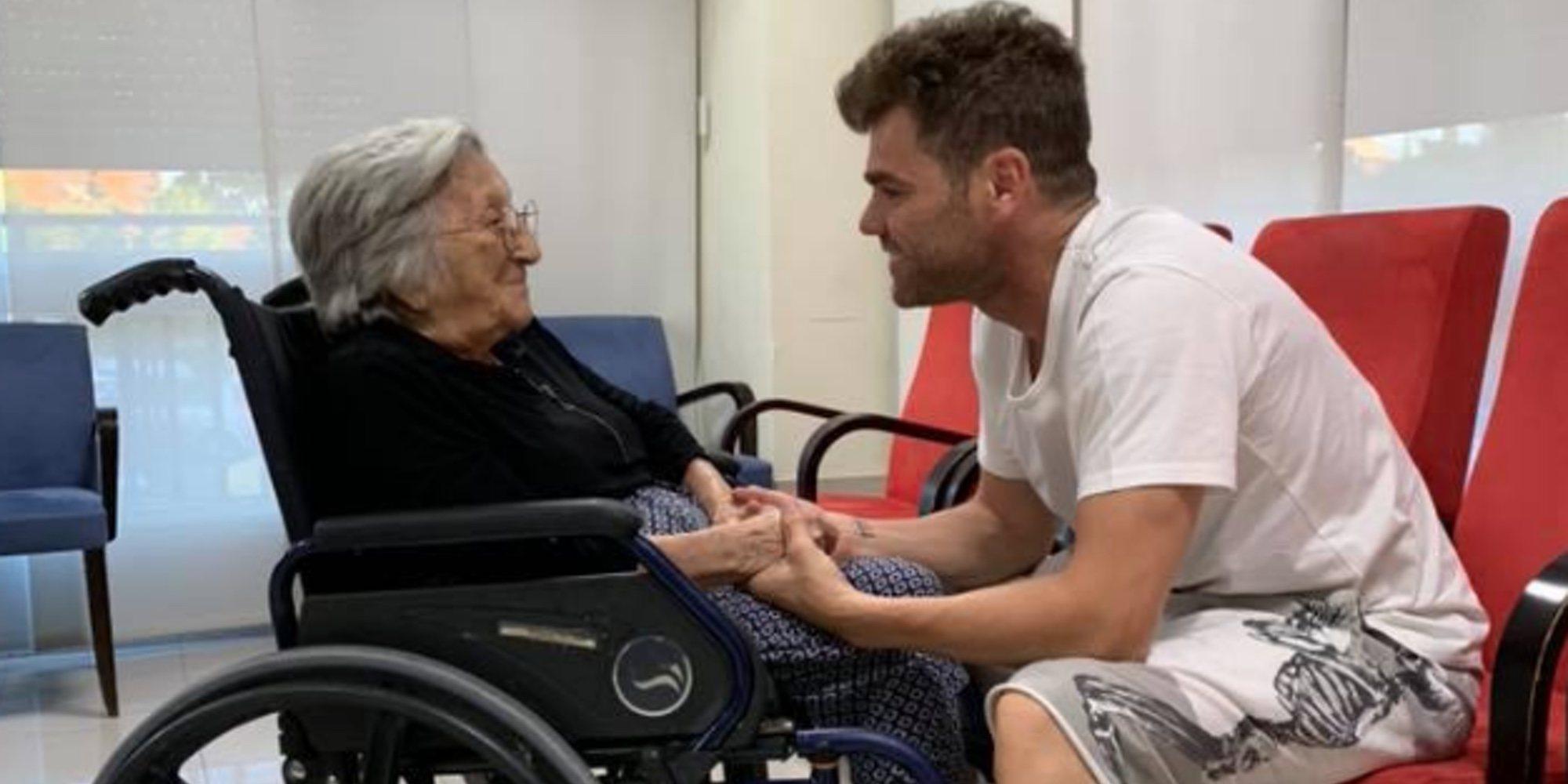 La tierna dedicatoria de Fonsi Nieto a su abuela en su 101 cumpleaños