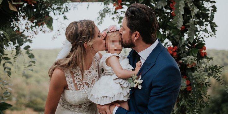 Chloe, hija de Manuel Carrasco y Almudena Navalón, se convirtió en la protagonista de la boda de sus padres