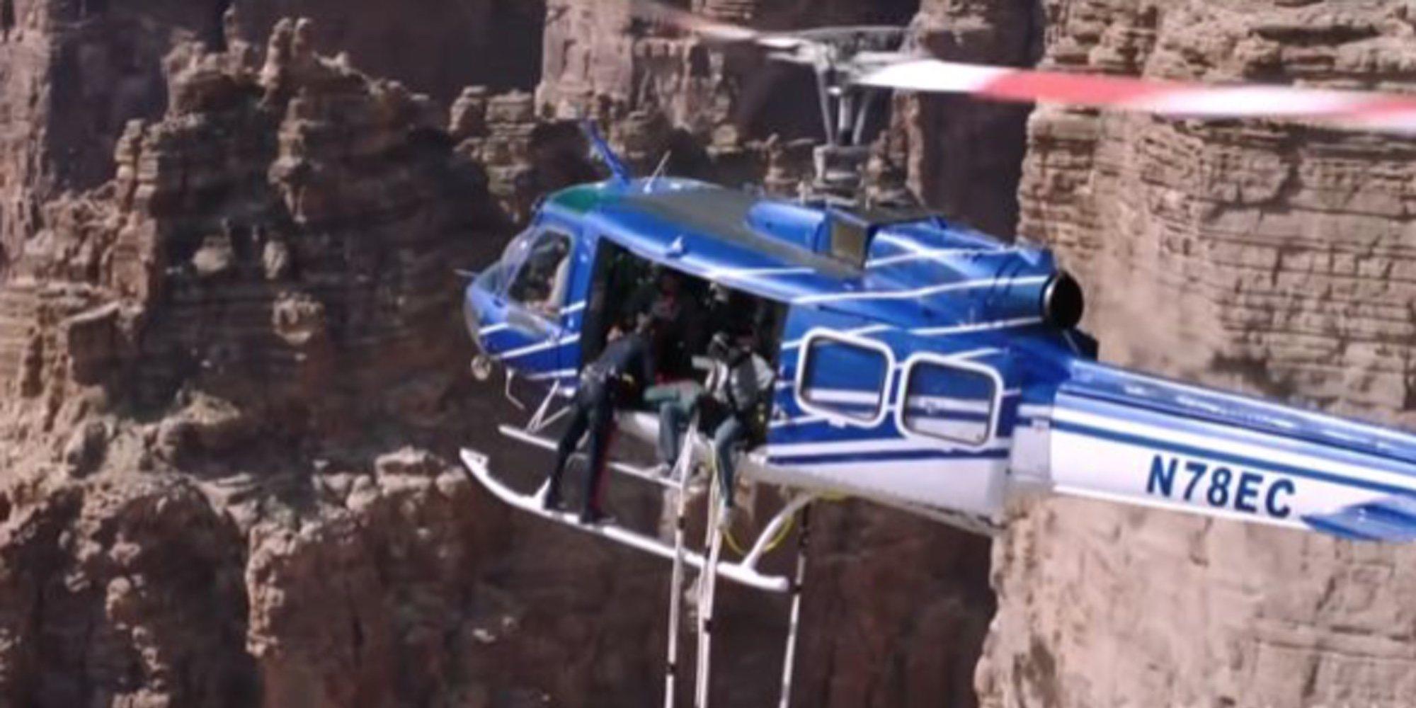 Will Smith salta de un helicóptero para celebrar por todo lo alto su 50 cumpleaños