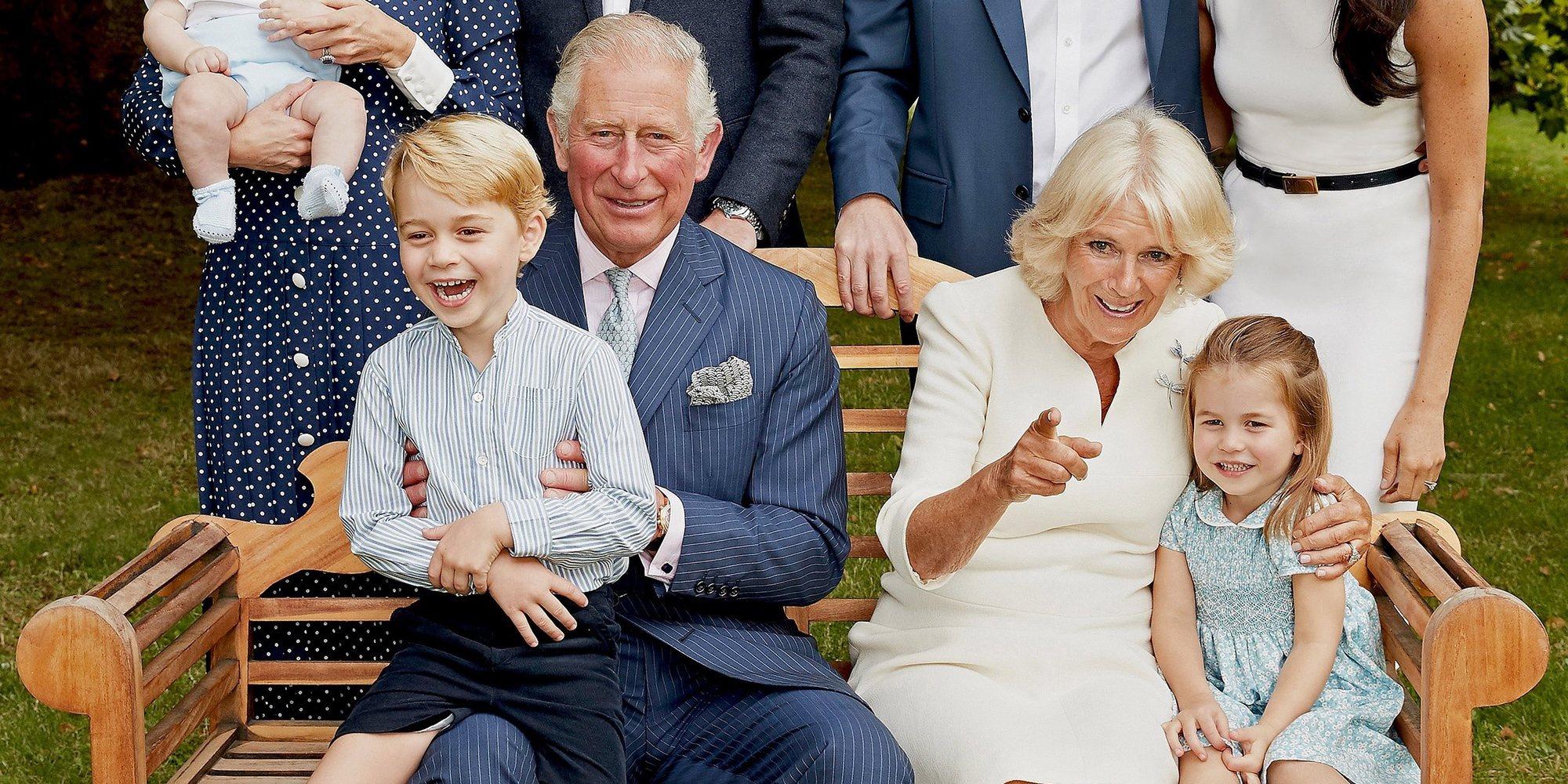 El tierno posado del Príncipe Carlos con Camilla Parker, los Duques de Cambridge y sus hijos y los Duques de Sussex