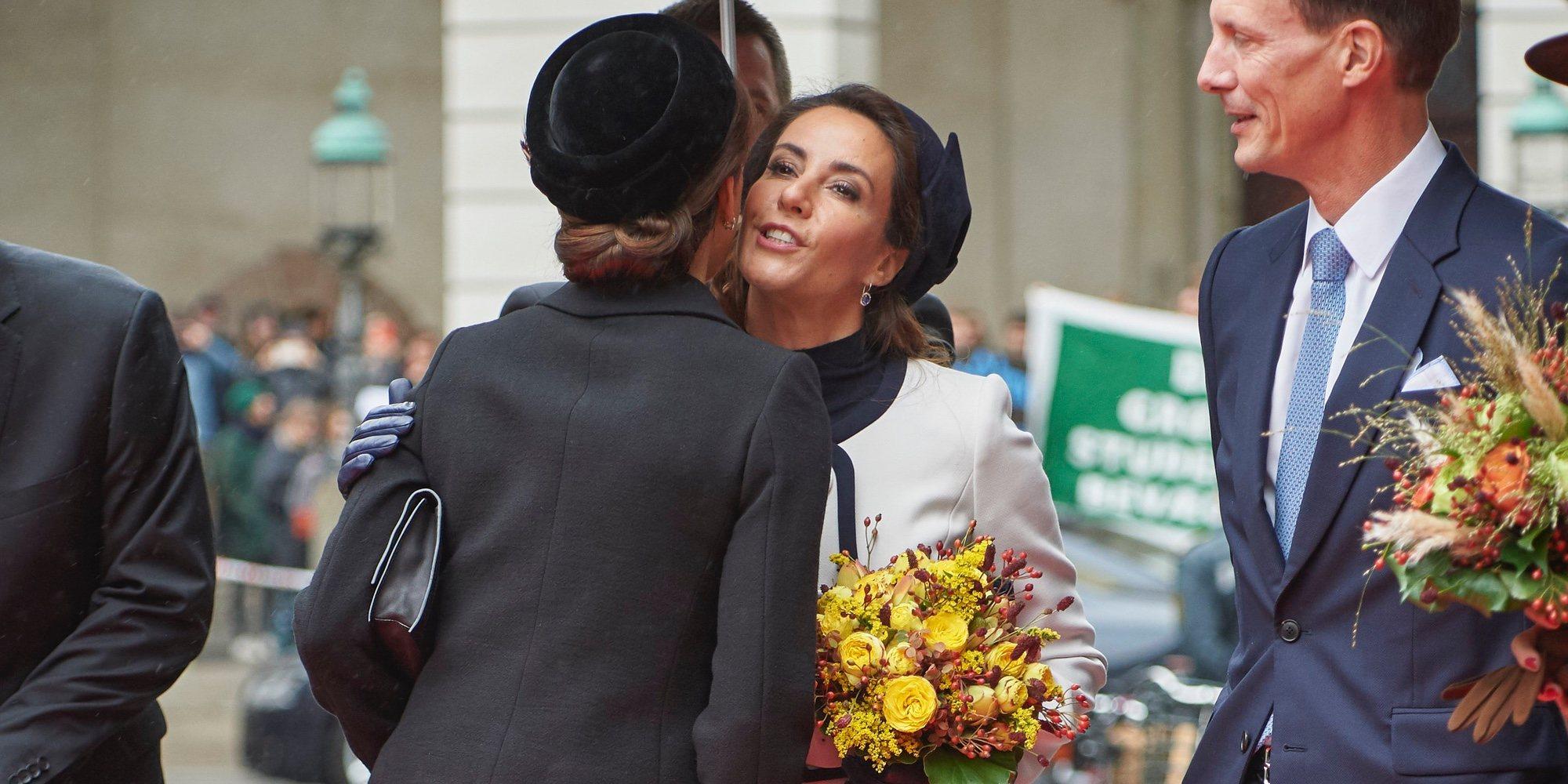 Royals besucones: los besos de la Familia Real Danesa en la apertura del Parlamento