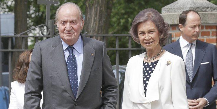 La Reina Sofía protagoniza el momento más incómodo en la boda del Duque de Huéscar para 'defender' al Rey Juan Carlos