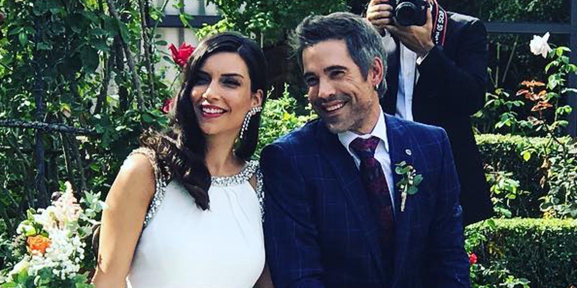 Unax Ugalde y Neus Cerdá se casan en una romántica boda oficiada por Asier Etxeandía
