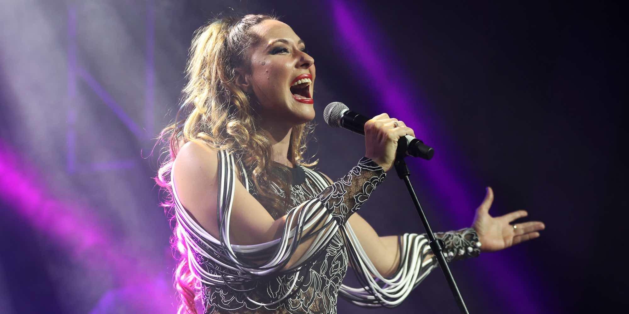 Rosario Mohedano estrena su nuevo disco arropada por Rosa Benito, Ortega Cano y Gloria Camila
