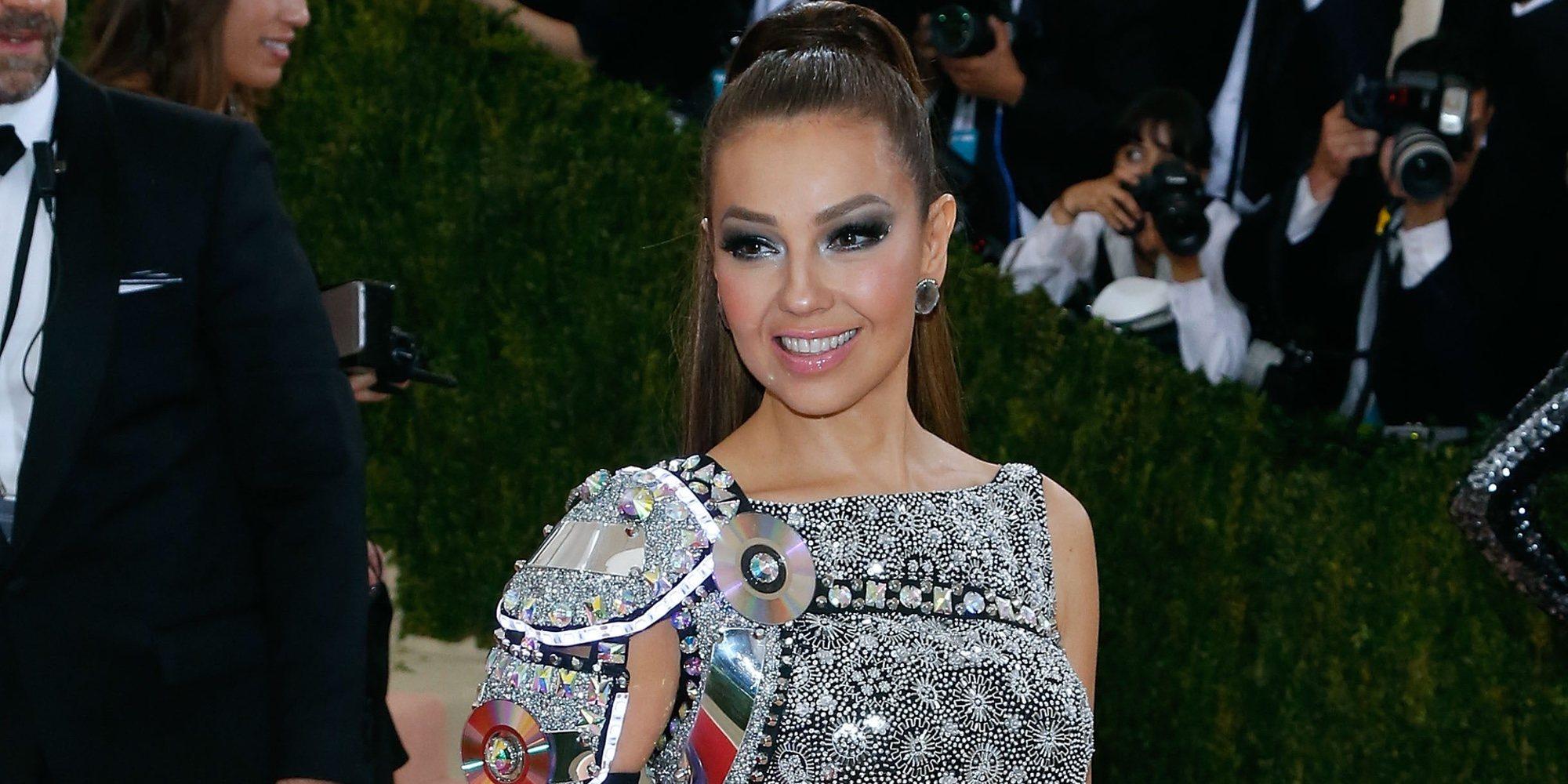Thalía vuelve locos a sus fans en la firma de su nuevo disco 'Valiente'
