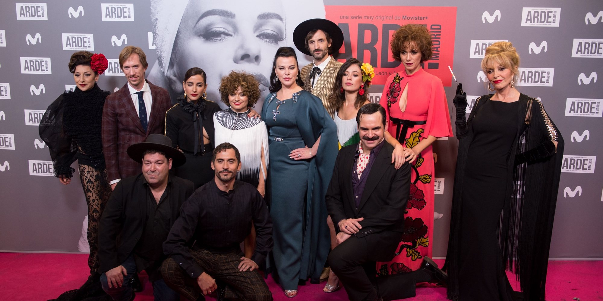 Hiba Abouk, Inma Cuesta o Mario Vaquerizo apoyan a Paco León en el estreno de 'Arde Madrid'