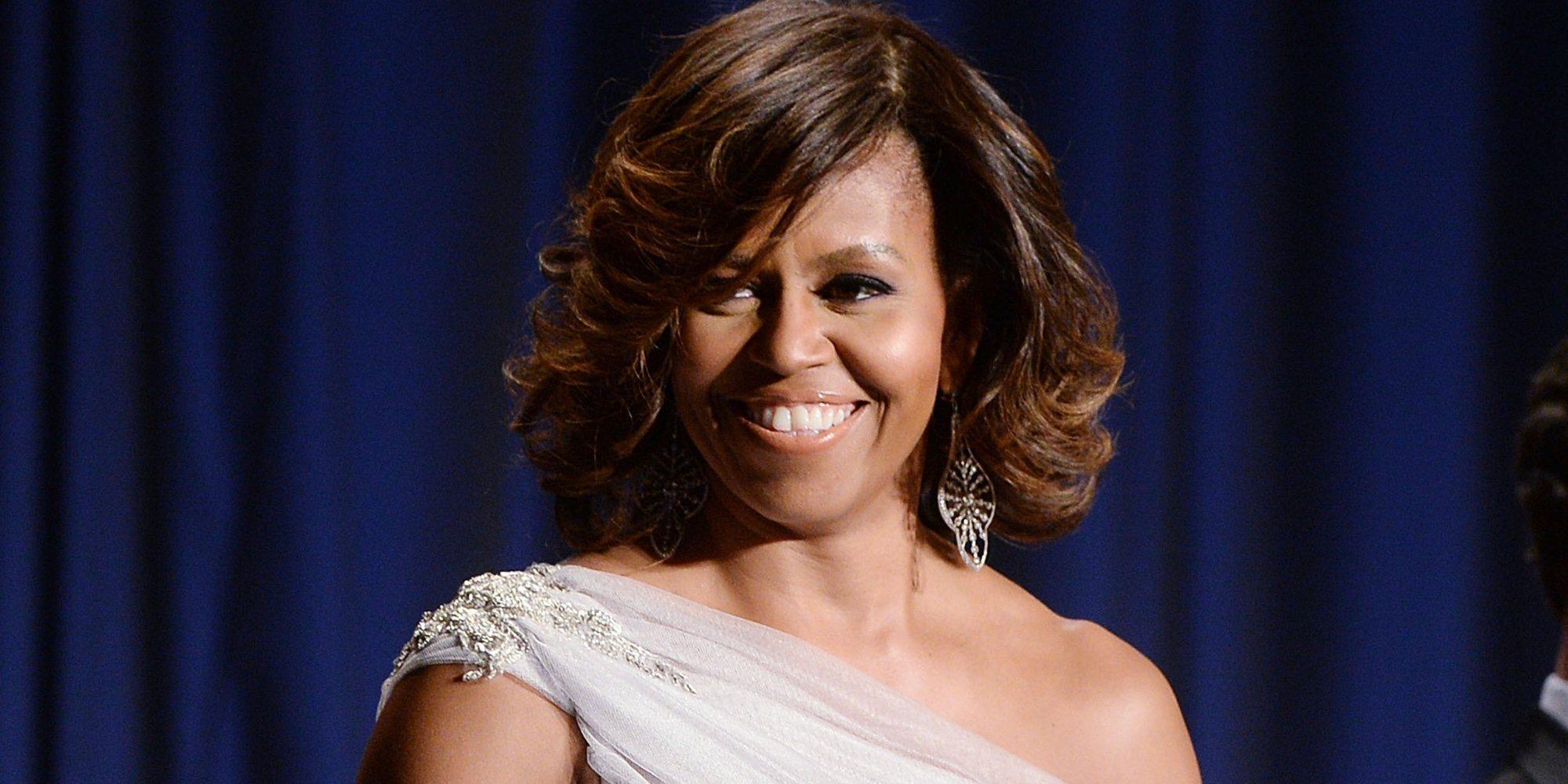 De la graduación de su hija a su primer beso con Obama: así es 'Becoming, el libro de Michelle Obama