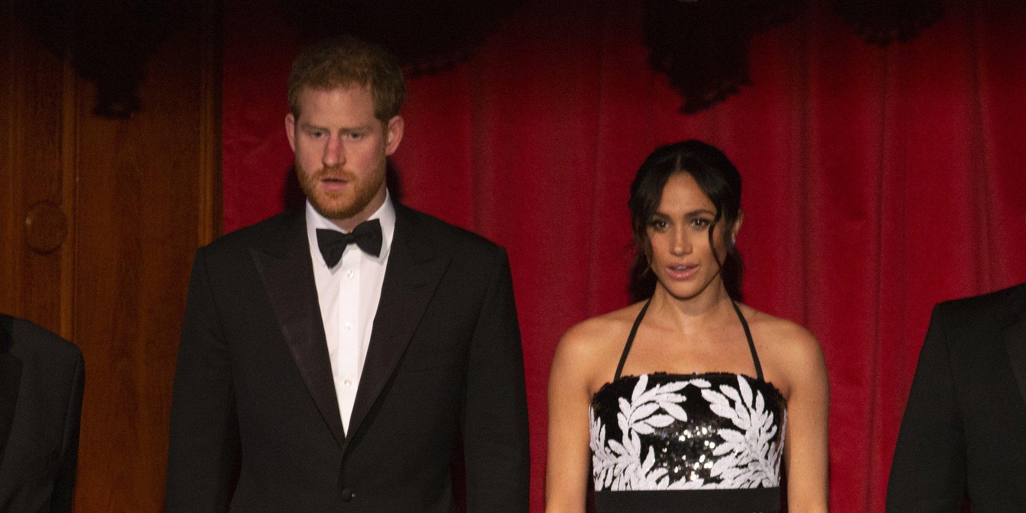 Meghan Markle presume de embarazo con un atrevido y criticado look durante la Royal Variety 2018