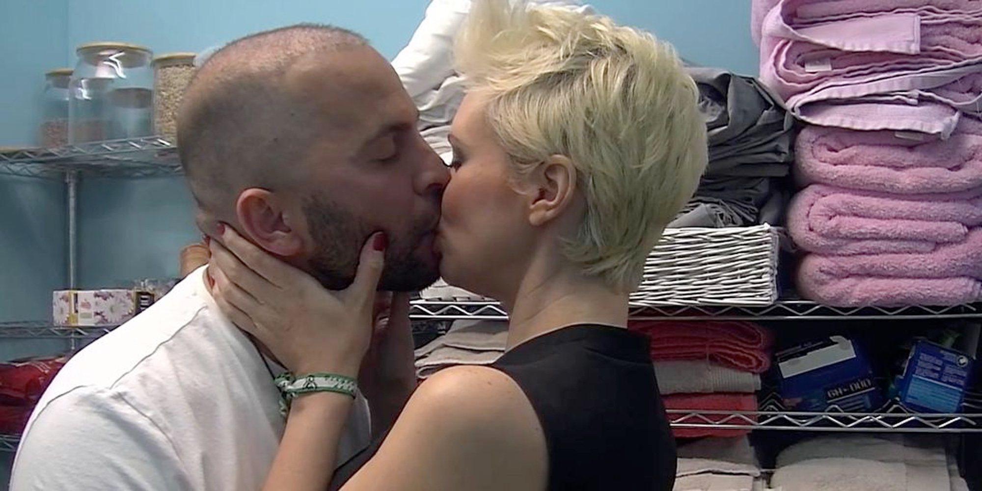 El apasionado beso de María Jesús Ruiz y Antonio Tejado en el almacén de 'GH DÚO'