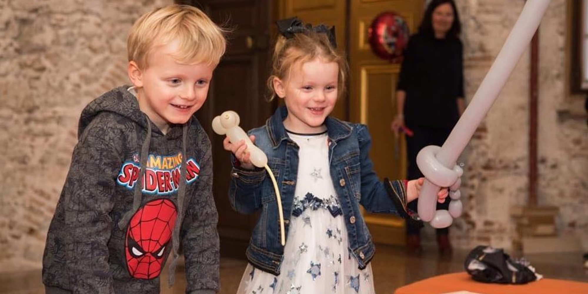 El cumpleaños más divertido de Jacques y Gabriella de Mónaco: fiesta de superhéroes y visita de los bomberos