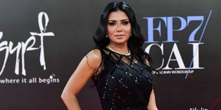 Rania Youssef, la actriz egipcia que podría ser condenada a cinco años de cárcel por mostrar sus piernas