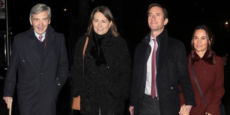 La familia Middleton se reúne con el Príncipe Harry y Meghan Markle en un concierto navideño solidario