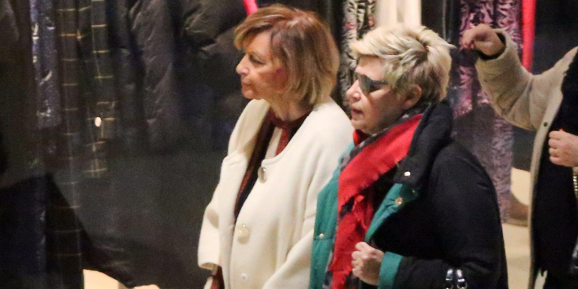 51e3121163 Terelu Campos se va de compras navideñas con María Teresa Campos tras una  nueva revisión