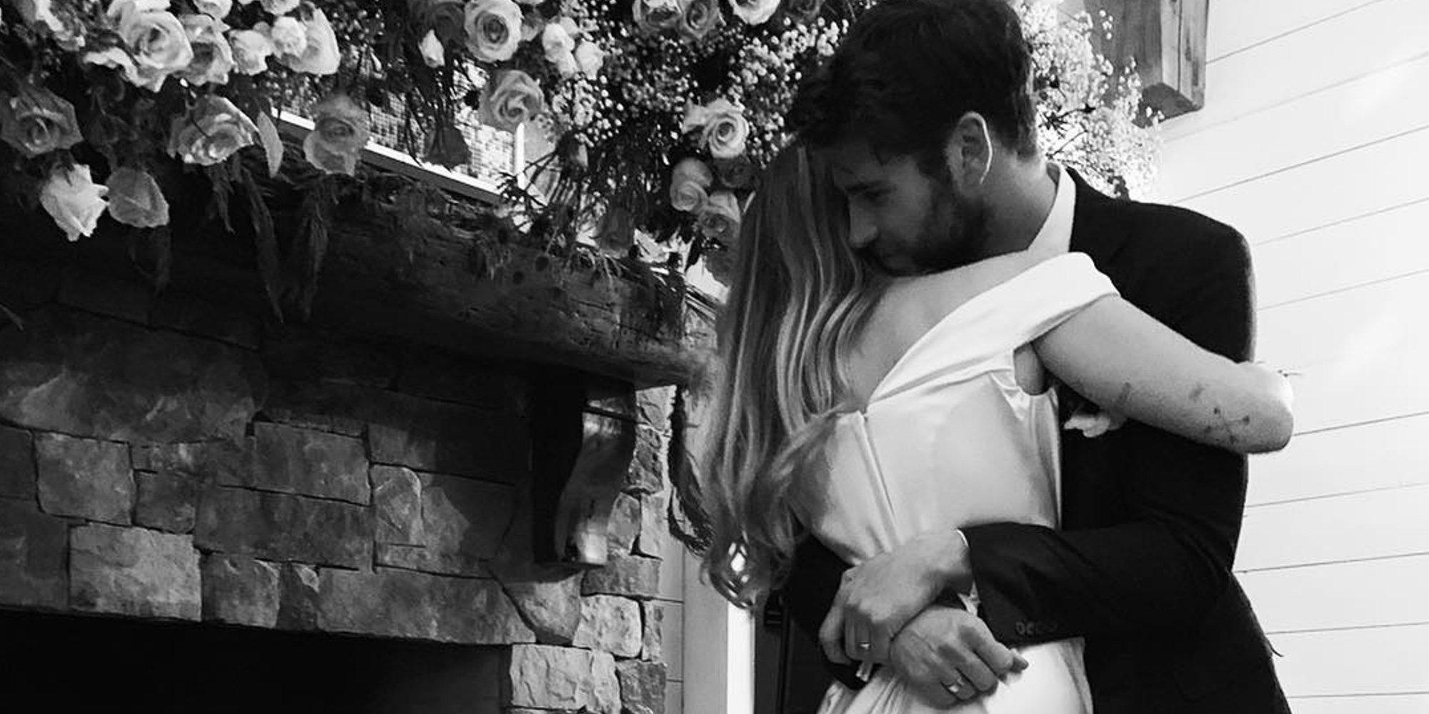 Miley Cyrus y Liam Hemsworth ya son marido y mujer