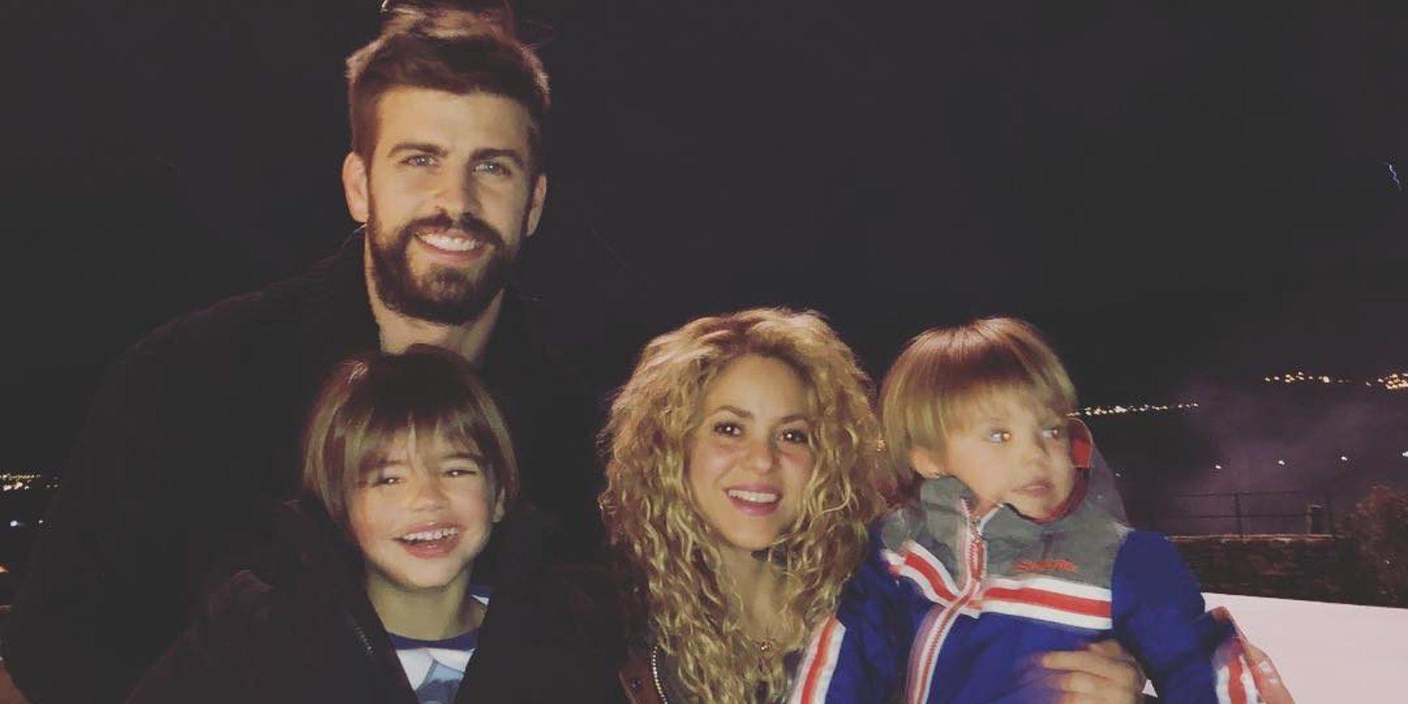 Shakira, sonriente en su felicitación familiar navideña tras sus problemas con Hacienda
