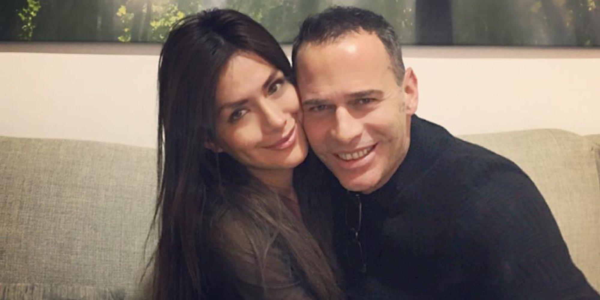 Carlos Lozano y Miriam Saavedra, pillados entrando en casa de él