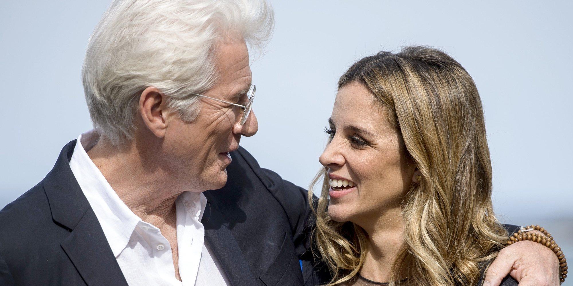 """El saludo de Richard Gere a Alejandra Silva en los Globos de Oro 2019: """"Te quiero, te puedes ir a dormir"""""""