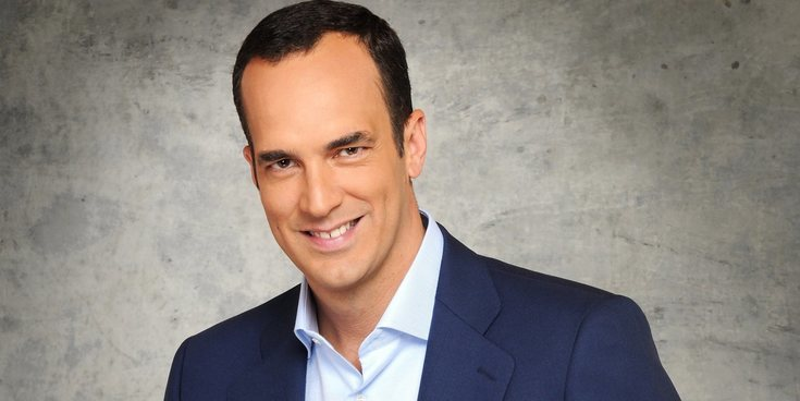 Qué fue de... Santi Acosta, el conocido presentador de 'Salsa Rosa'