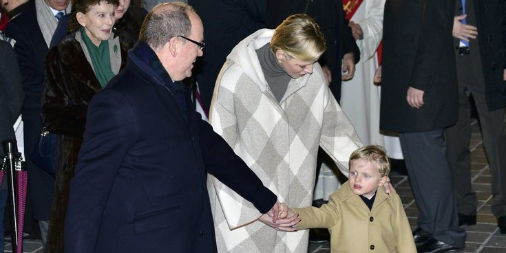 Alberto y Charlene de Mónaco acuden a las celebraciones de Santa Devota sin su hija