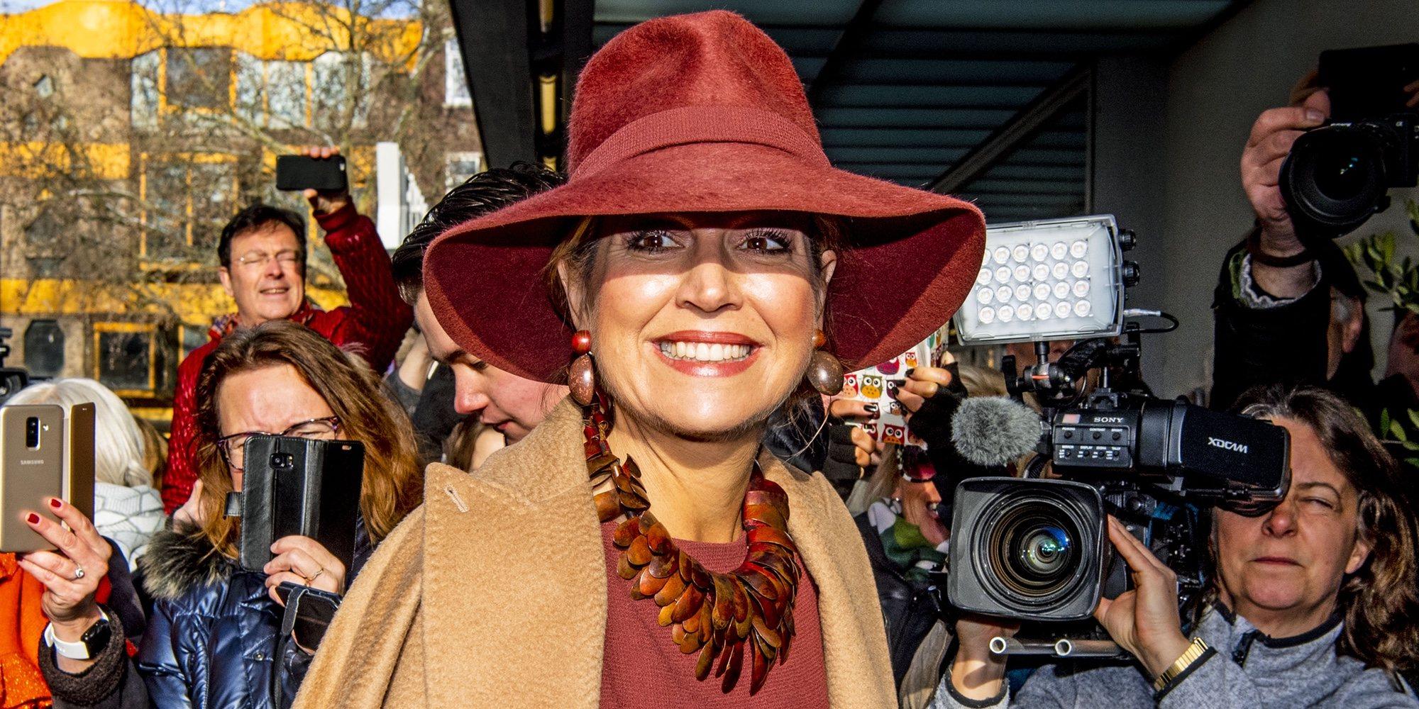 La Reina Máxima de Holanda hace frente a las críticas de delito fiscal con la mejor de sus sonrisas