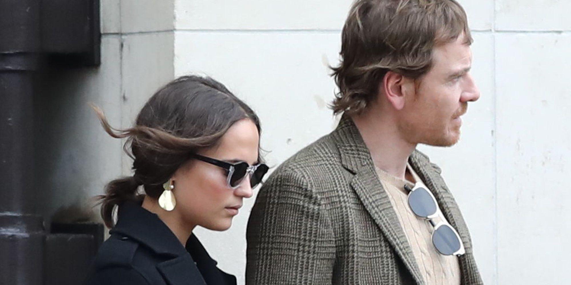 Alicia Vikander y Michael Fassbender disfrutan de la semana de la moda de París