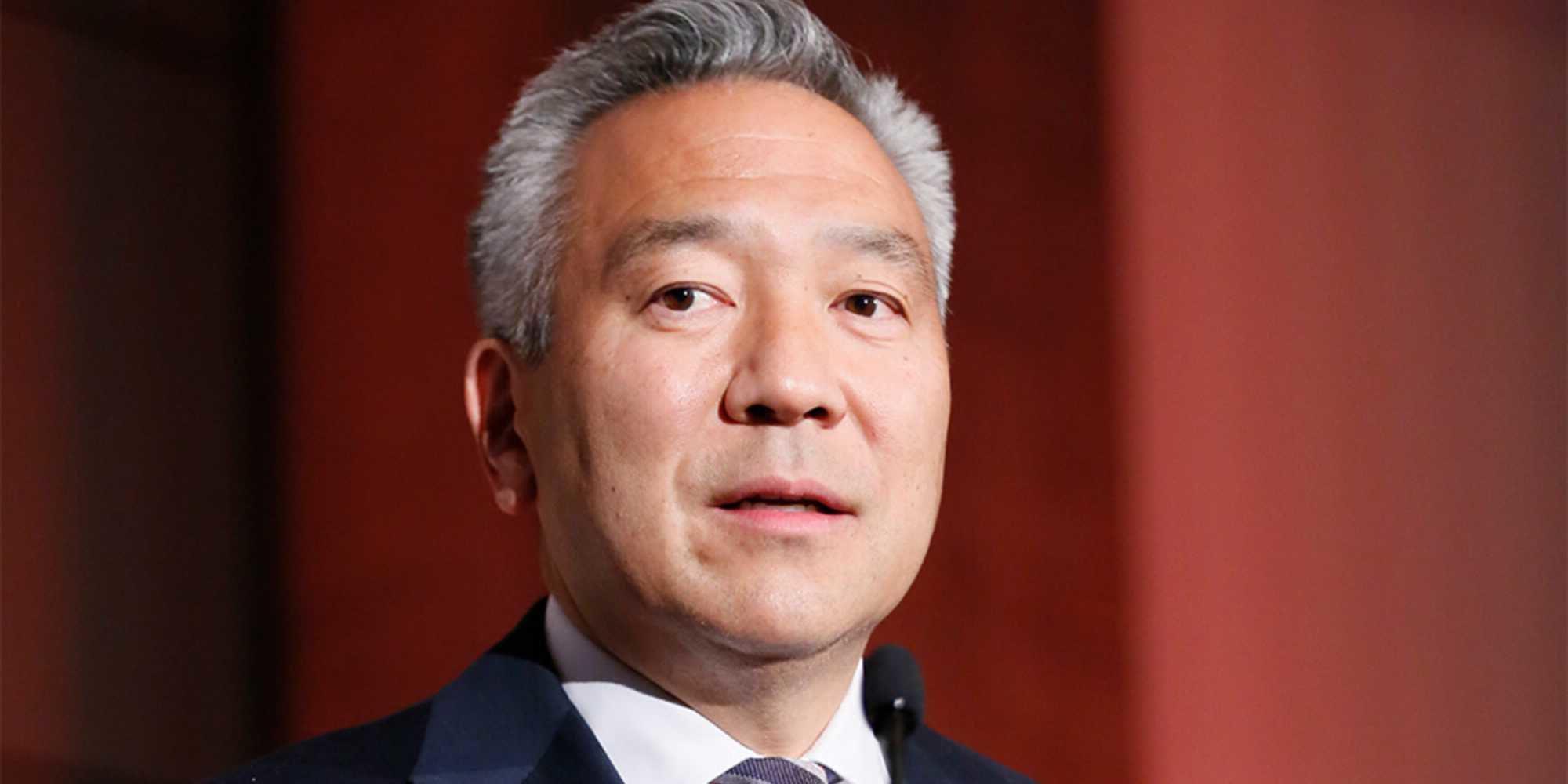 Kevin Tsujihara, presidente de Warner Bros, investigado por un presunto escándalo sexual