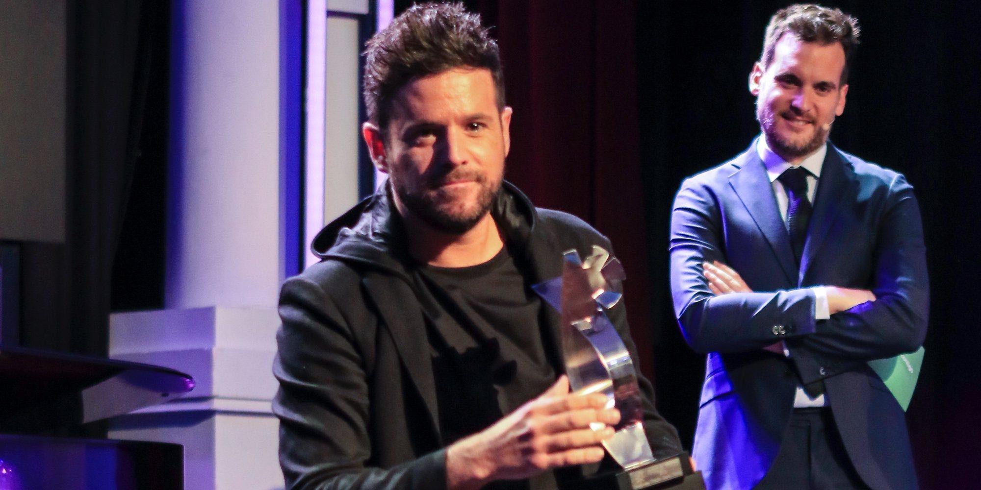 Pablo López recibe el premio de Canal Fiesta por el éxito de 'El patio'