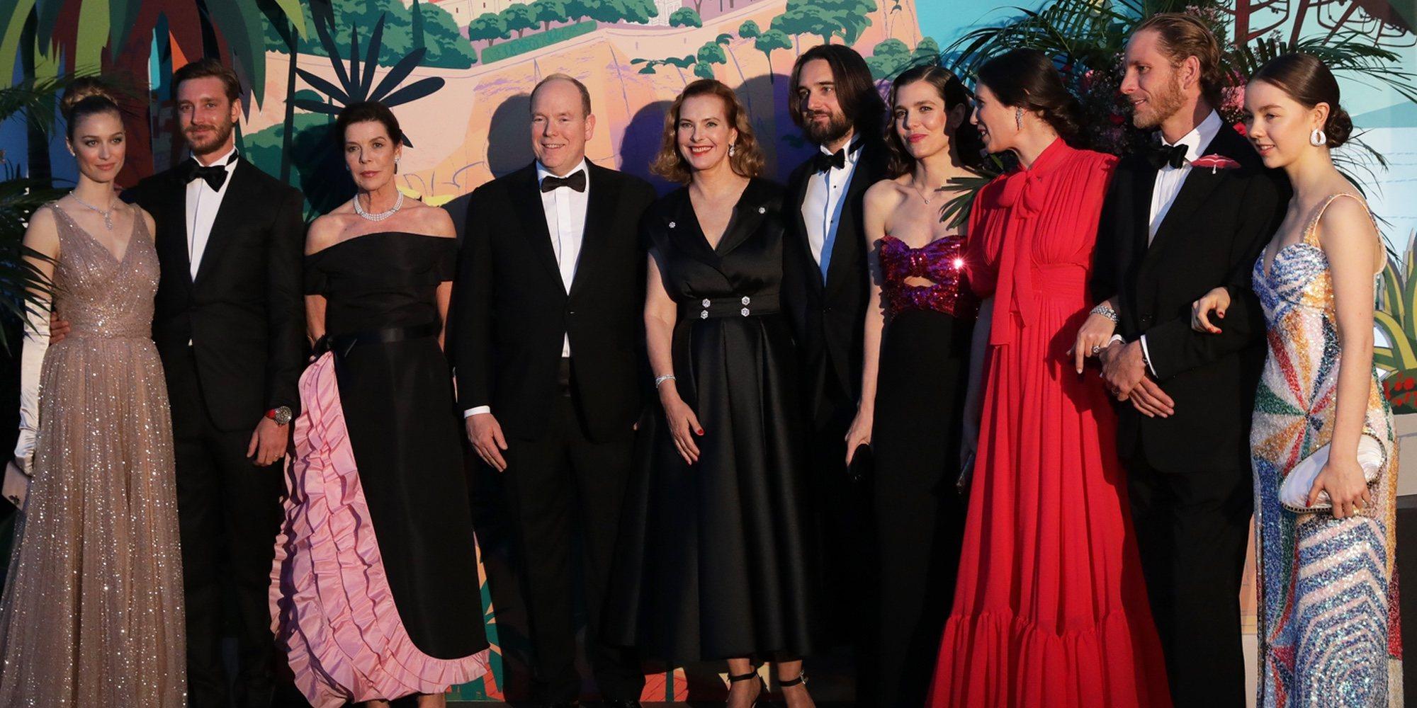 De la aparición de Carole Bouquet al amor de Carlota Casiraghi y Dimitri Rassam en el Baile de la Rosa 2019