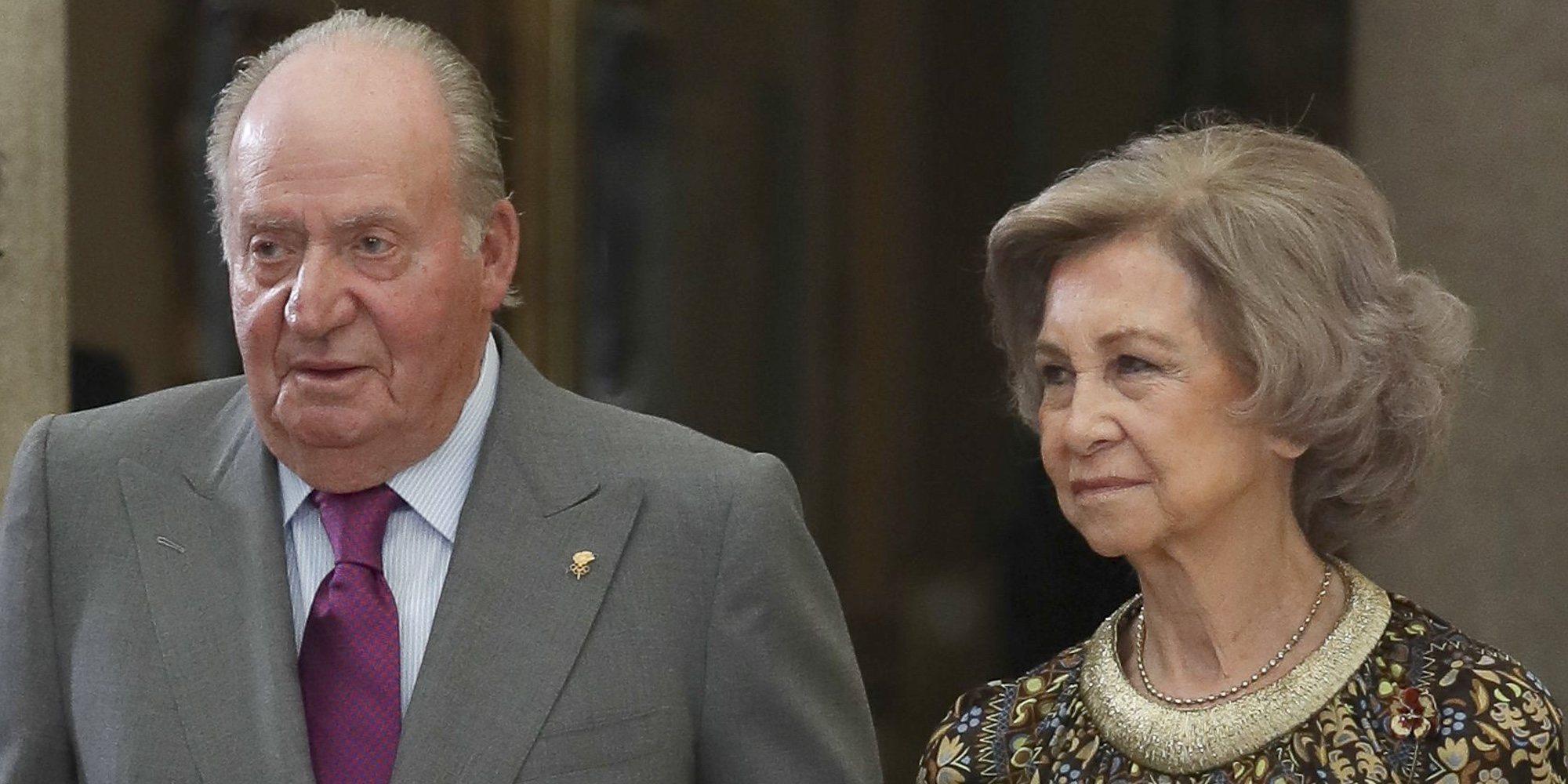 La Infanta Pilar vuelve a unir a los Reyes Juan Carlos y Sofía