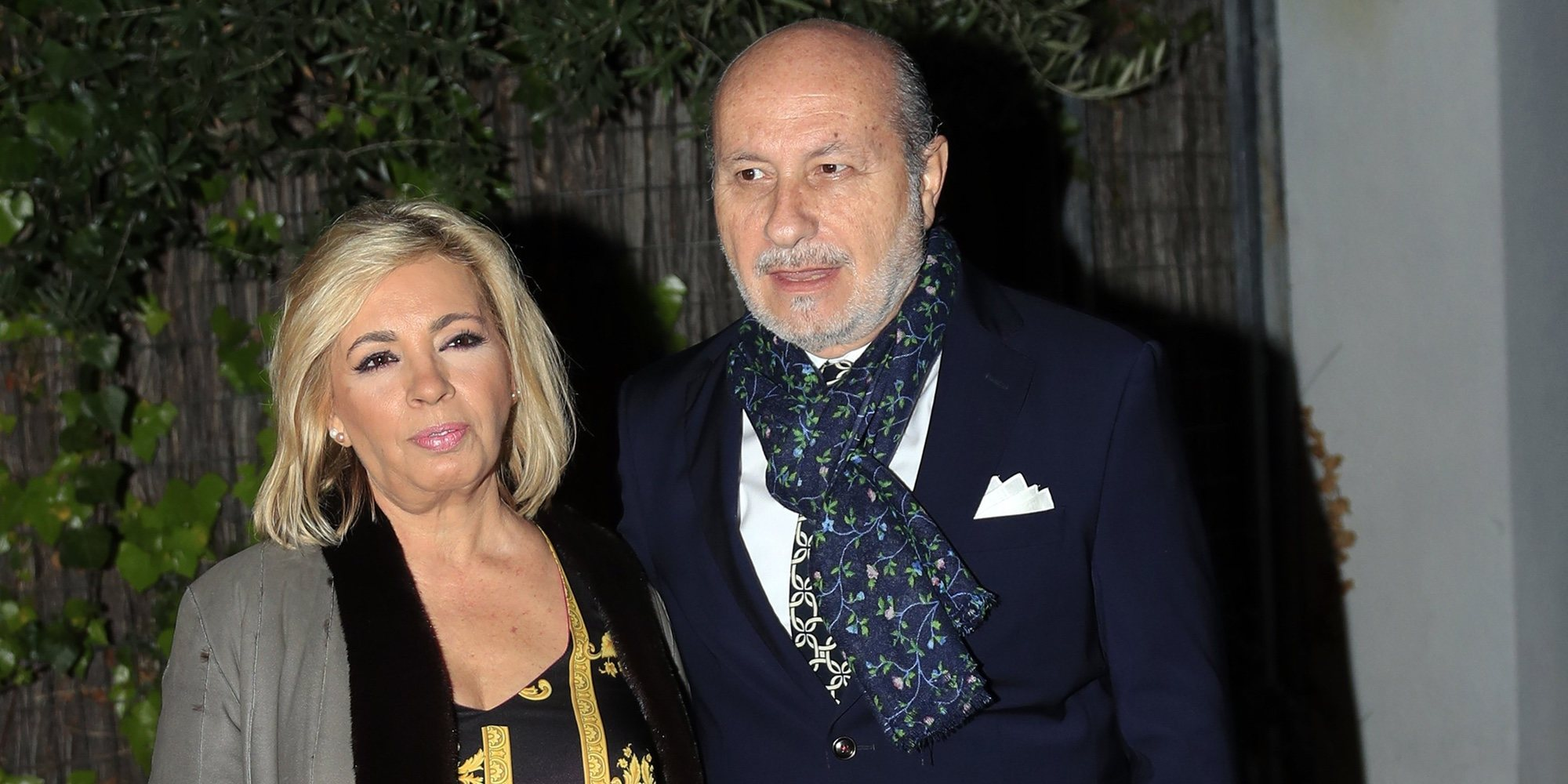 "Belén Ro echa las cartas a Carmen Borrego en 'Sálvame Okupa' y le da una mala noticia: ""Te vas a separar"""