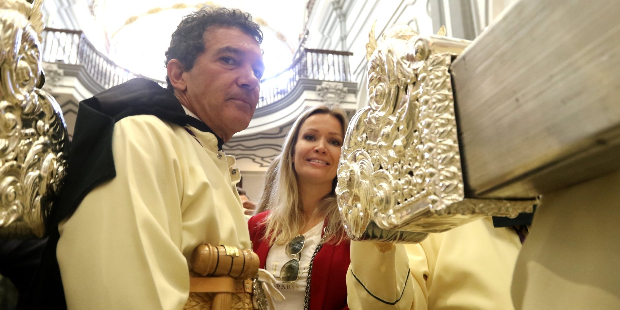 Antonio Banderas celebra la Semana Santa con Nicole Kimpel mientras Melanie Griffith se pone nostálgica