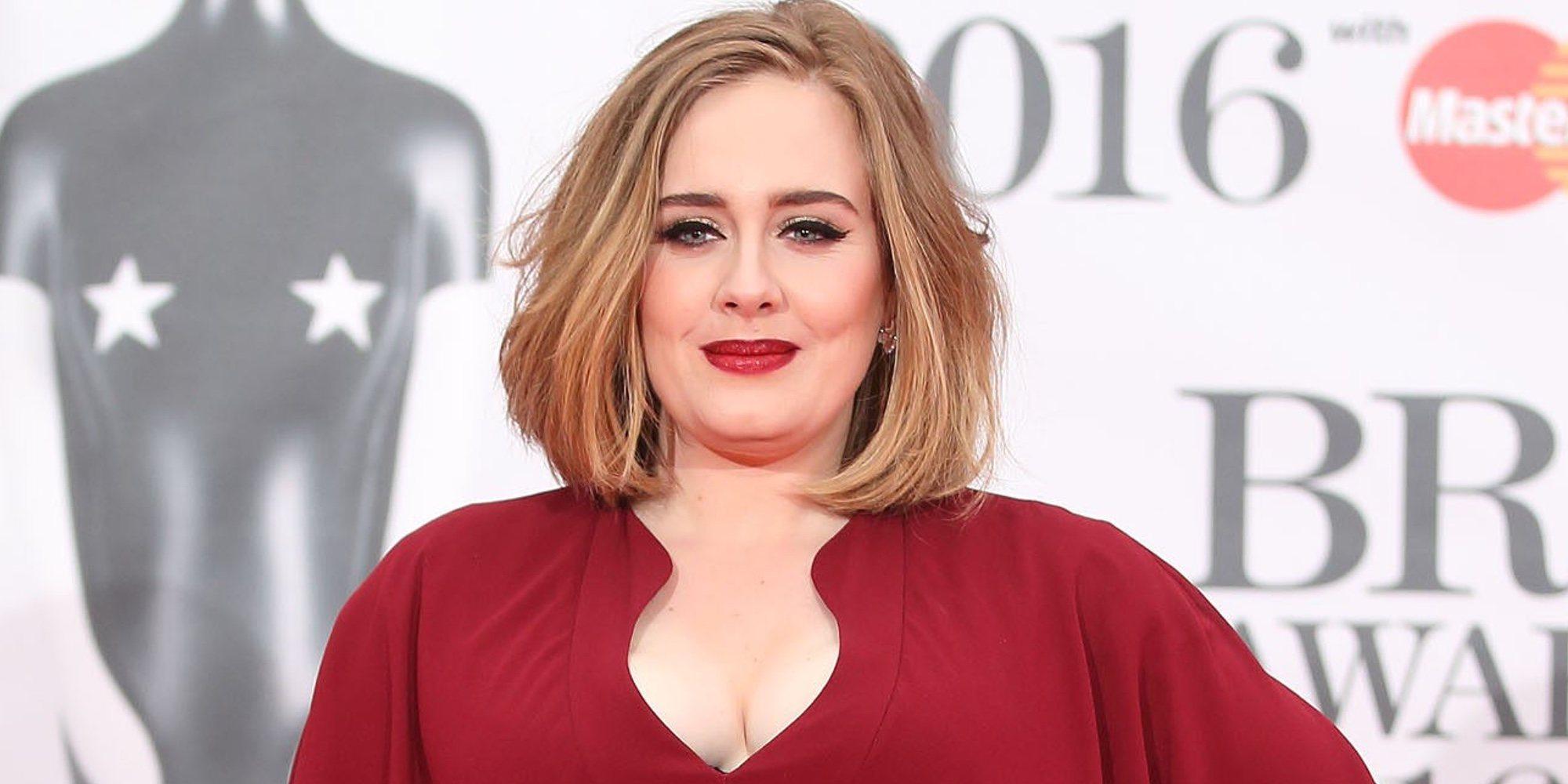 Adele podría tener que dar la mitad de su fortuna a Simon Konecki tras el divorcio