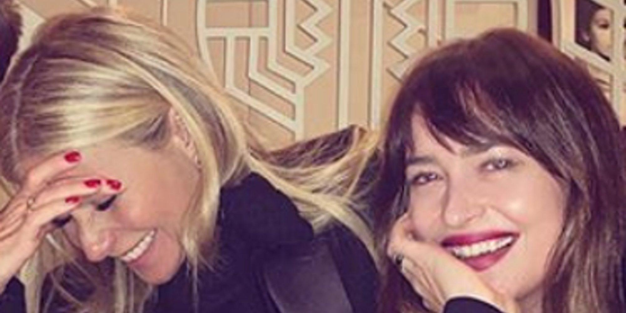 Gwyneth Paltrow se va de cena con Dakota Johnson, la actual novia de su exmarido Chris Martin