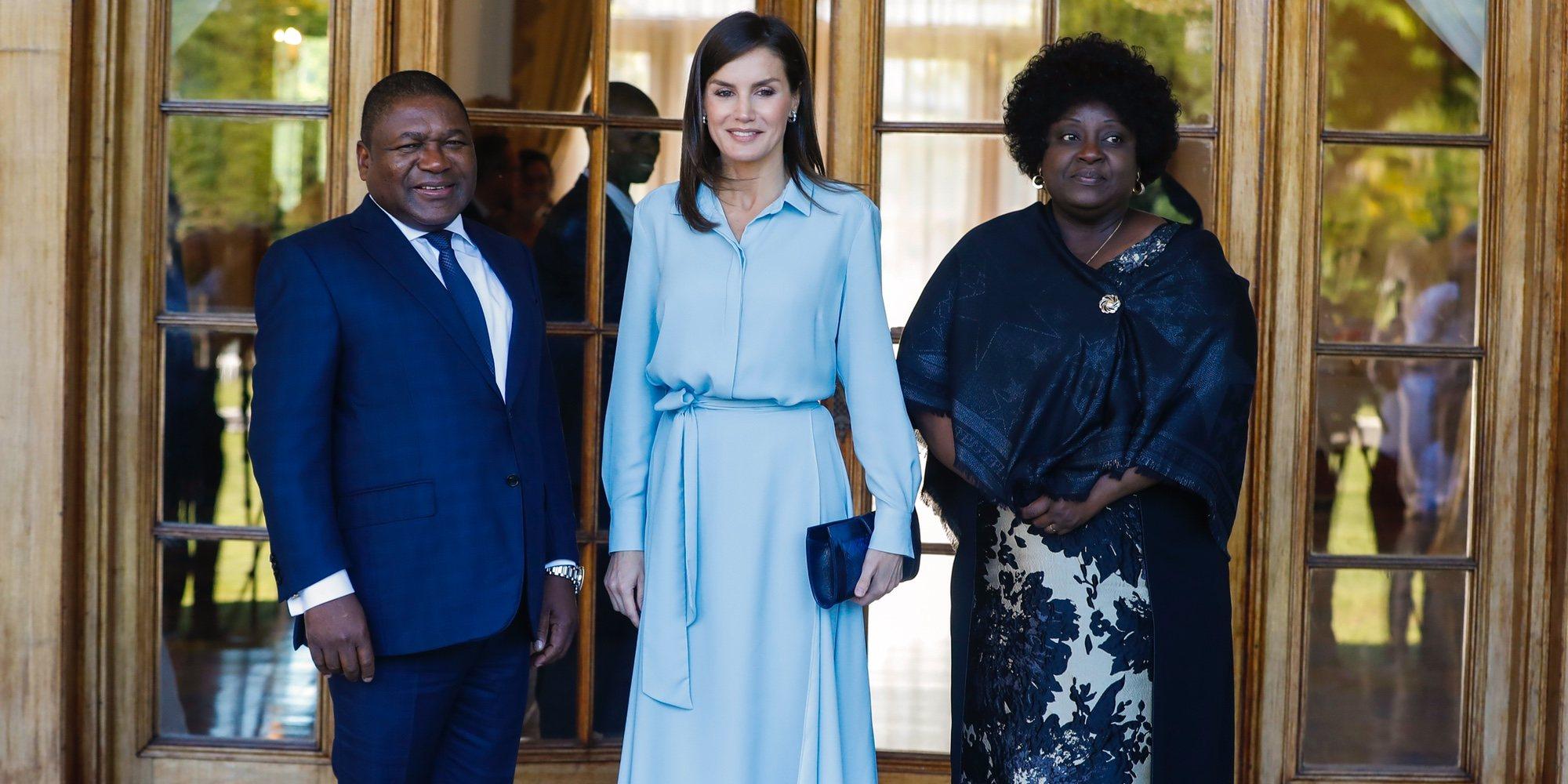 La reunión de cooperación de la Reina Letizia con el Presidente de Mozambique y su mujer