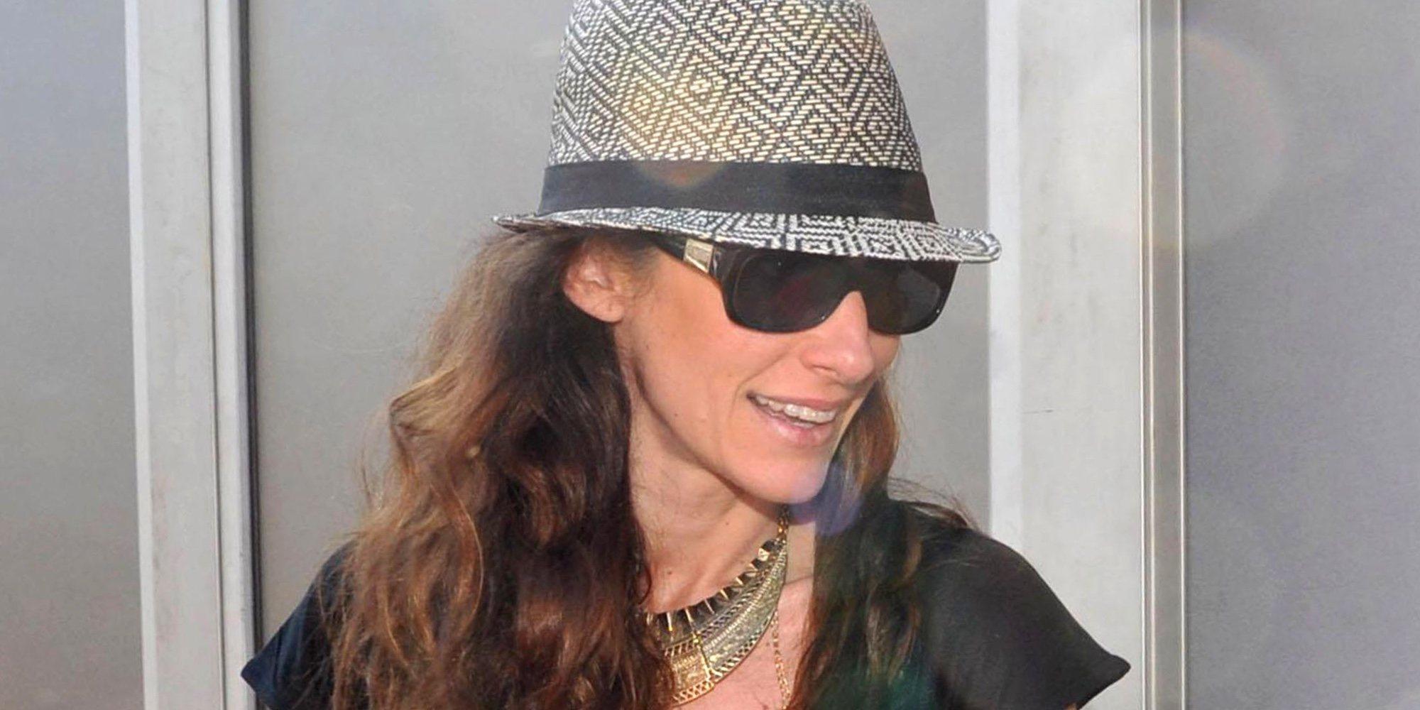 Telma Ortiz, muy ilusionada y sonriente con un joven francés