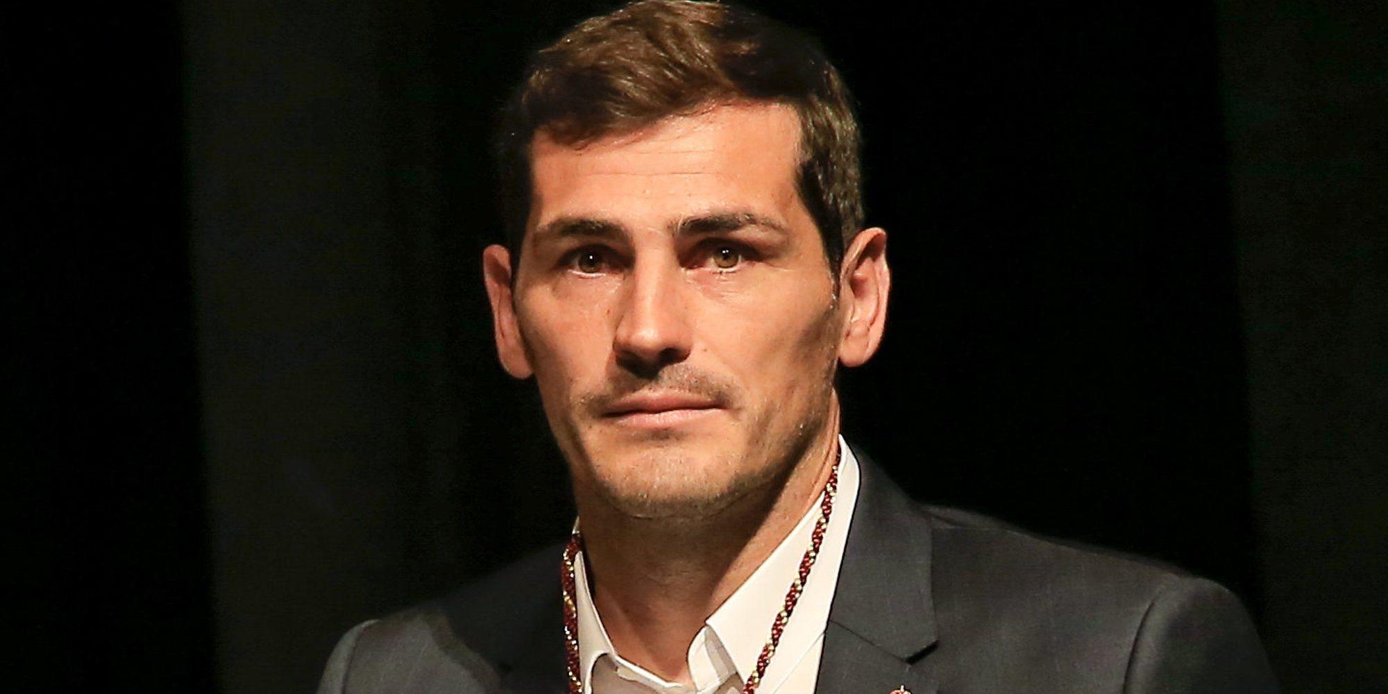 Iker Casillas se toma con humor todo el tiempo que tendrá libre debido a la recuperación de su infarto