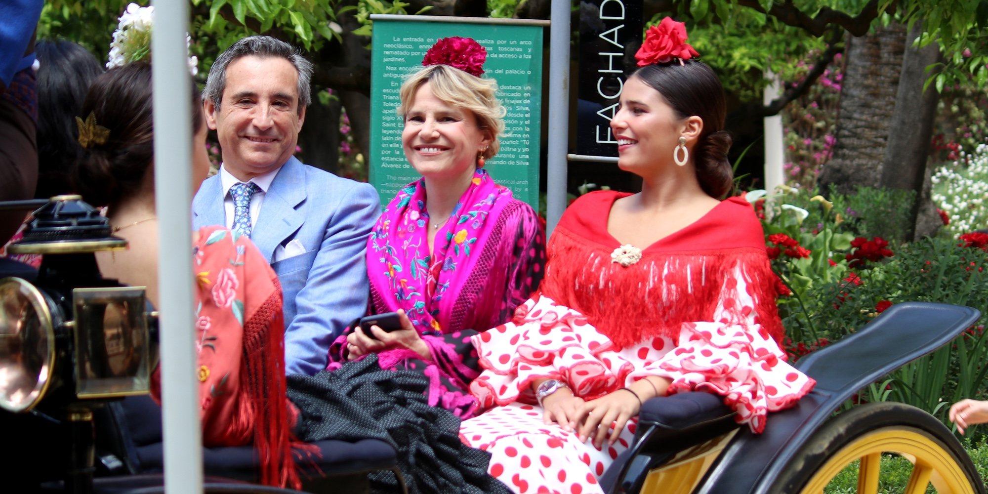 Ágatha Ruiz de la Prada, Lourdes Montes y Raquel Bollo pasean por el Real de la Feria de Abril 2019