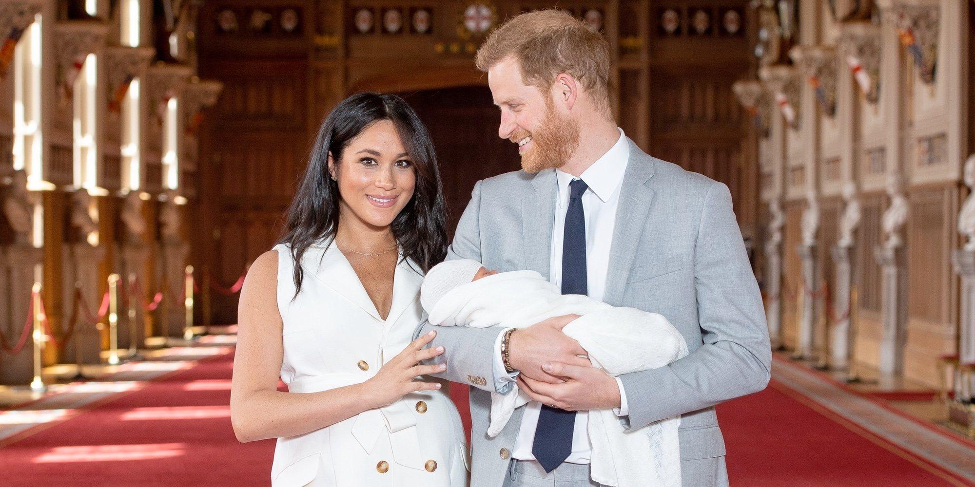 Todo lo que Harry y Meghan han querido decir con la presentación y el nombre de su hijo Archie Harrison