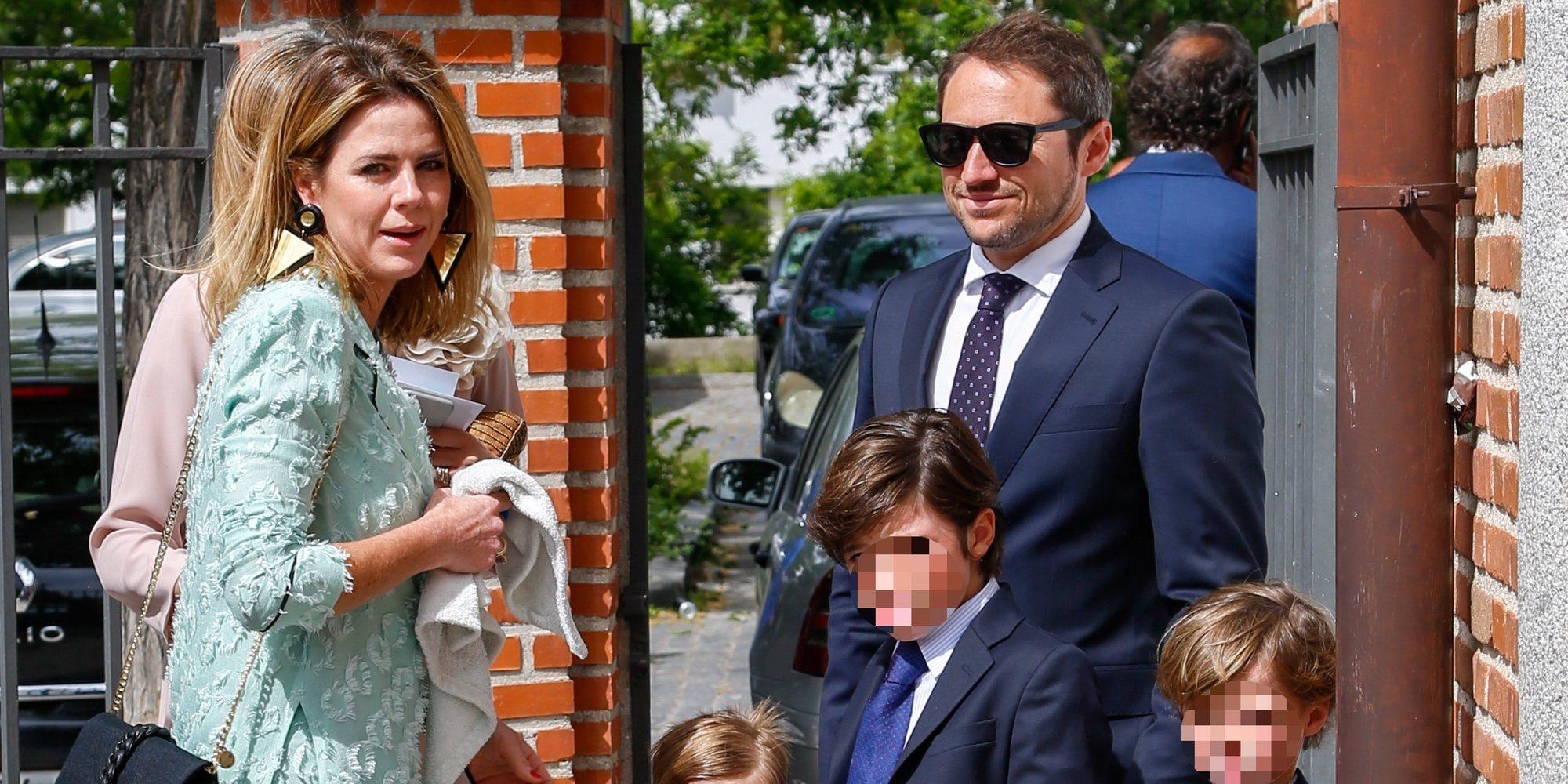 Amelia Bono y Manuel Martos celebran la primera comunión de su hijo mayor