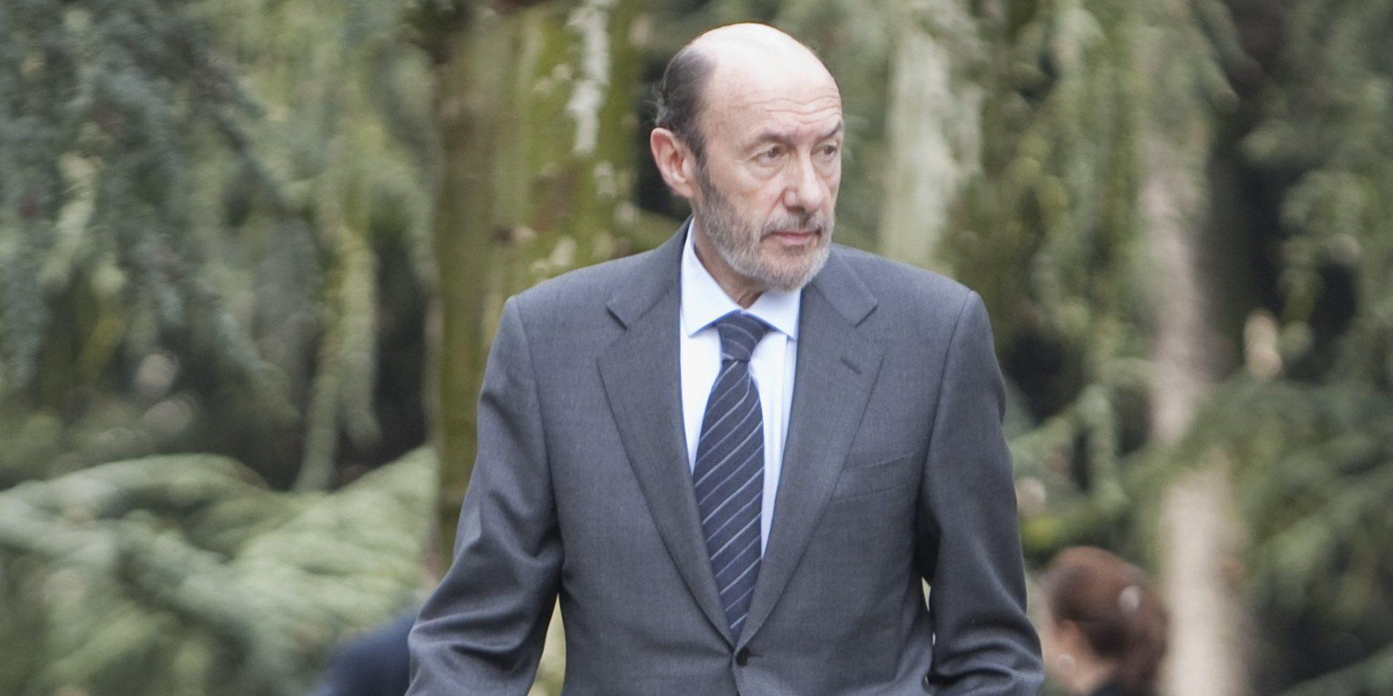 Pedro Sanchéz vuelve a España por el preocupante estado de salud de Alfredo Pérez Rubalcaba