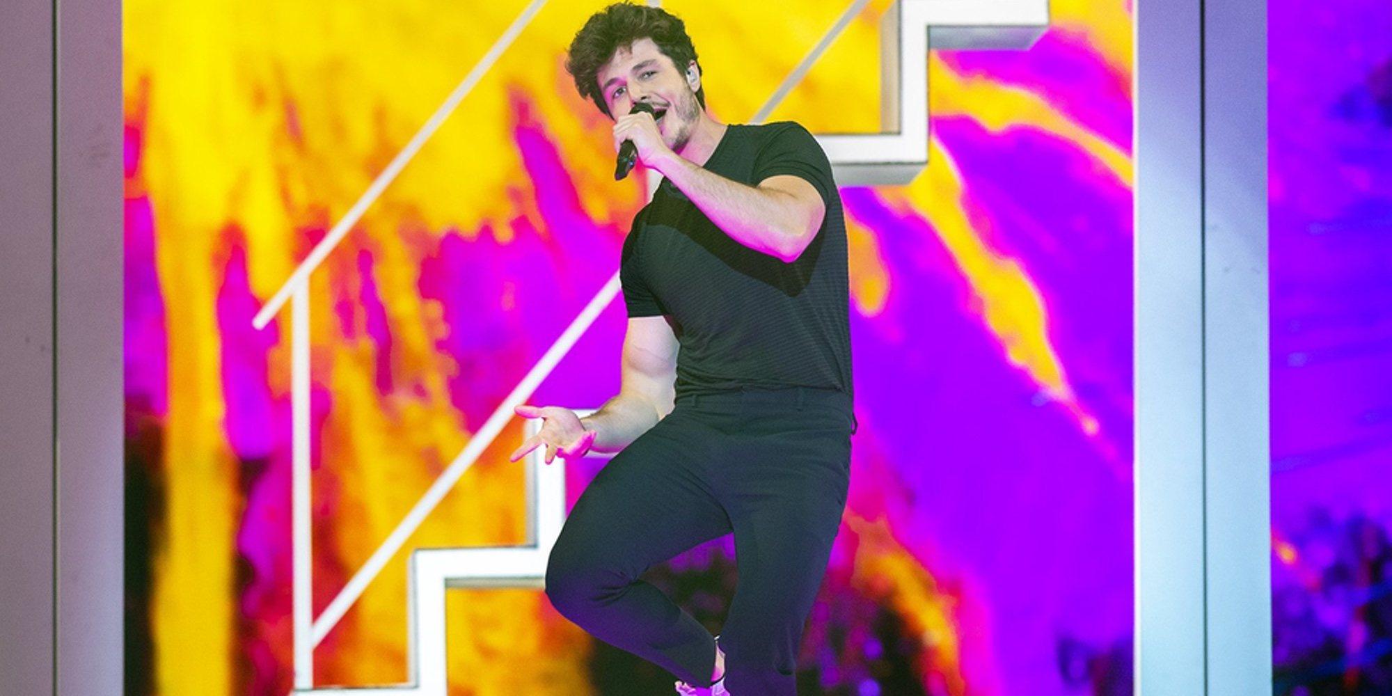 Eurovisión saca los colores a Miki enseñando una foto sin camiseta en la primera semifinal de Eurovisión 2019