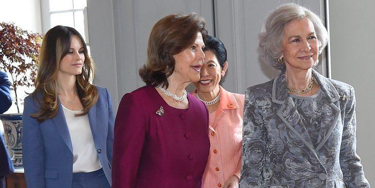El emotivo viaje de la Reina Sofía a Suecia: Fórum de la Demencia, reencuentro con Silvia de Suecia y almuerzo con Victoria