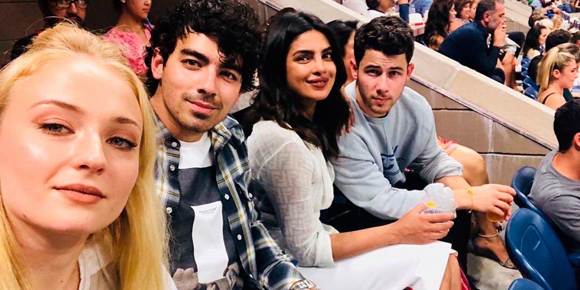 Sophie Turner y Priyanka Chopra, dos amigas unidas por los Jonas Brothers