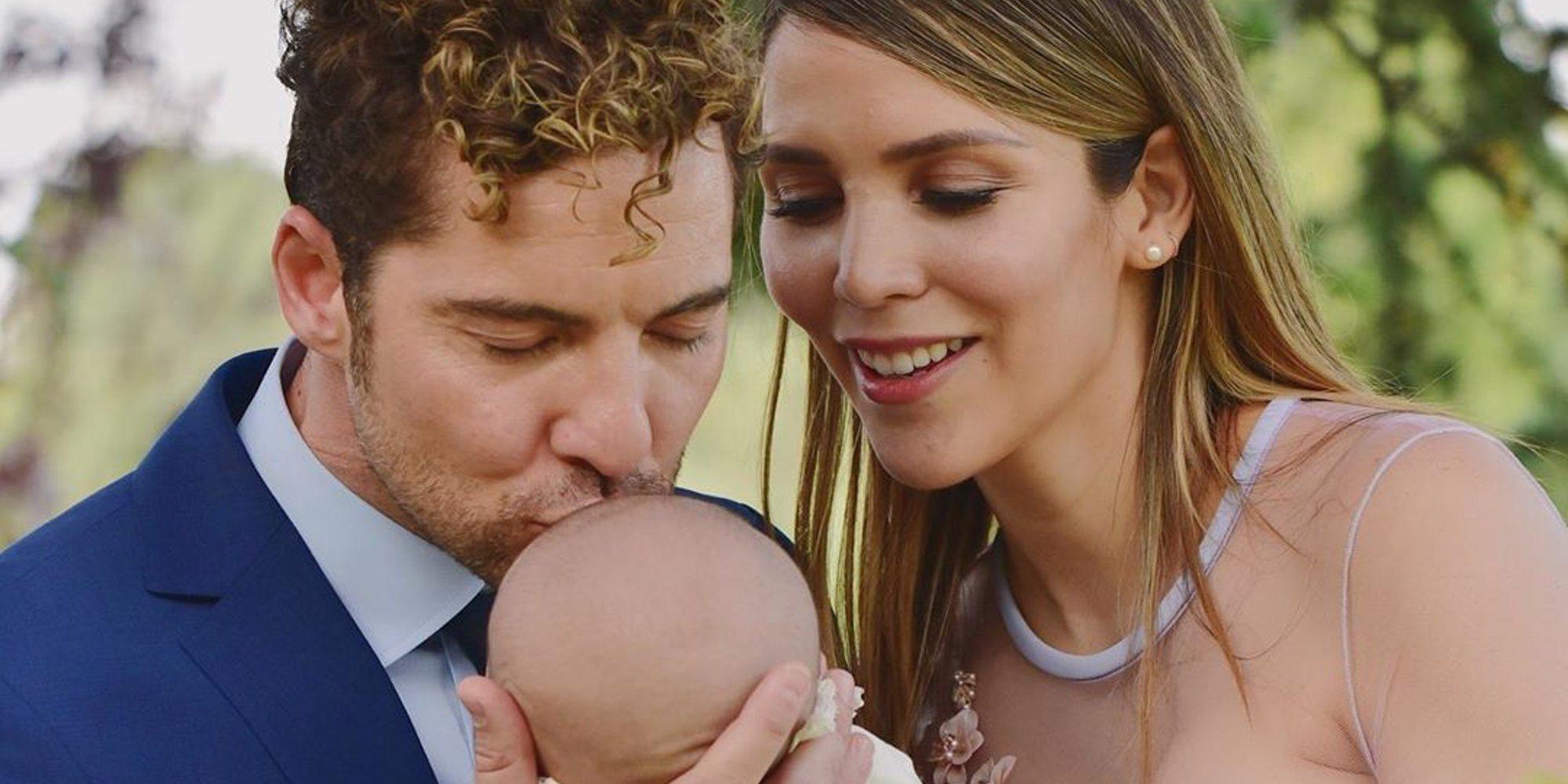 David Bisbal y Rosanna Zanetti bautizan a su hijo Matteo en la intimidad